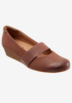 Winona Wedge by Softwalk®,