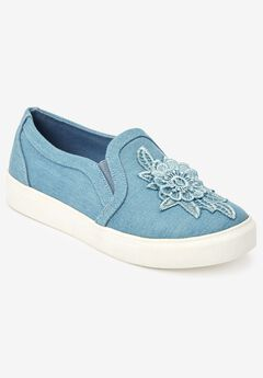 Skyla Sneakers by Comfortview®,