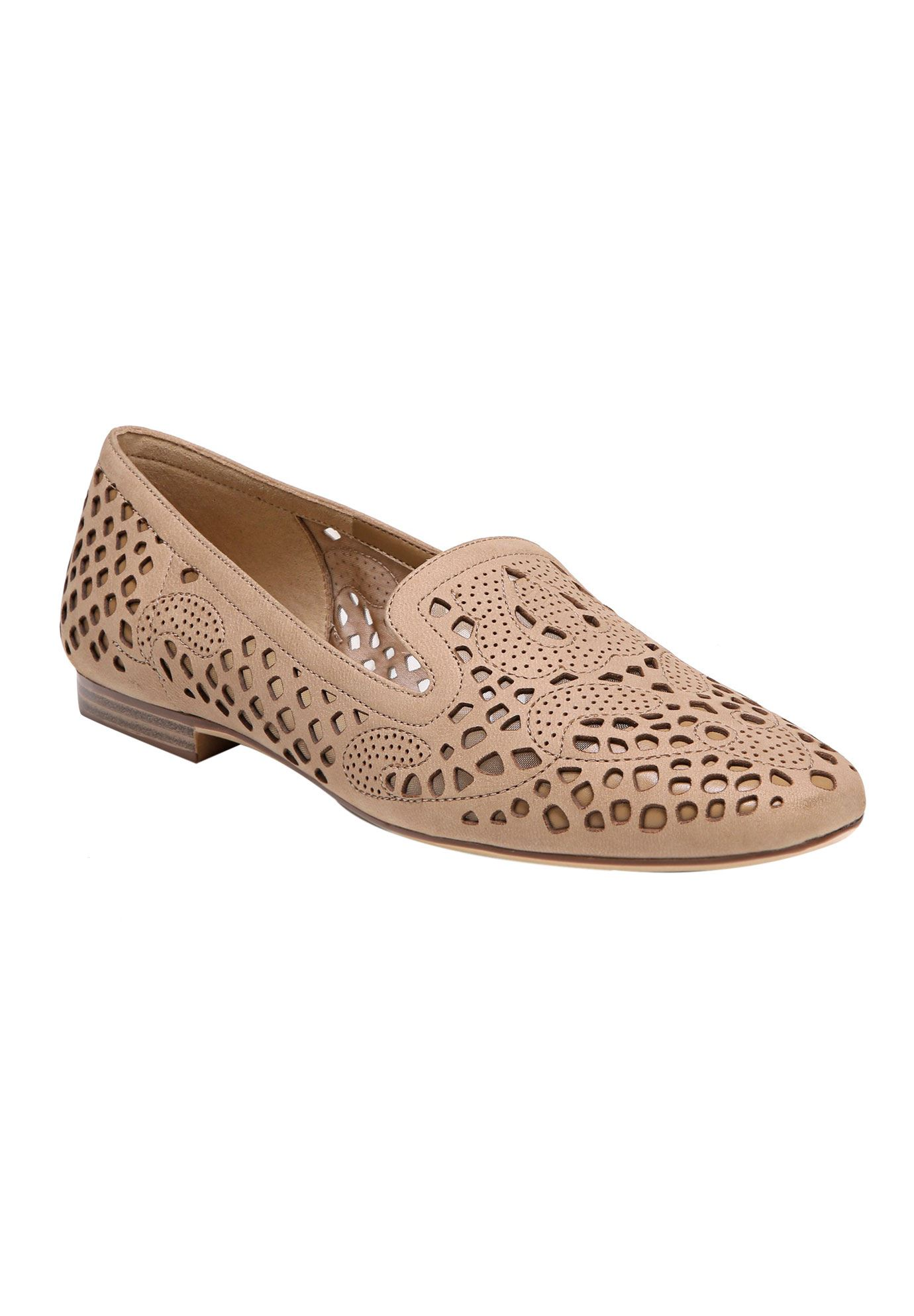 Eve Flats by Naturalizer®,