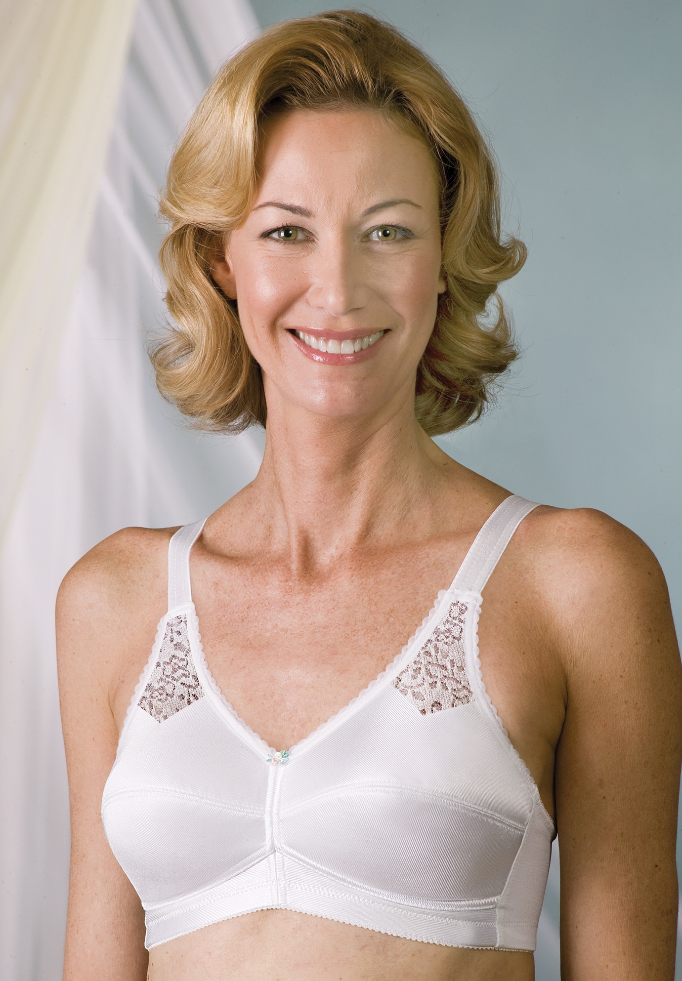 Contemporary Perma-Form® Back Hook Bra,